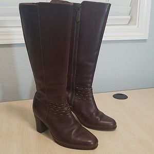 Clark's Artisan leather brown boots ankle detai 6